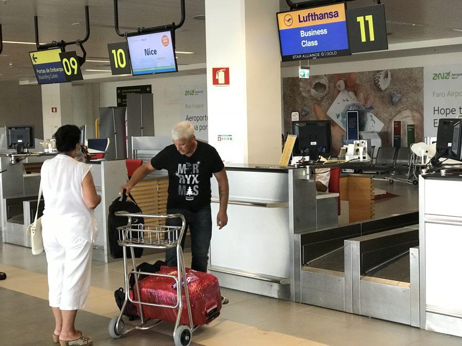Algarve Flughafen Faro Lufthansa-Schalter