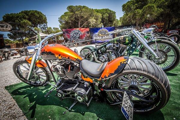 Algarve-Sommer mit internationalem Motorradfahrer-Treffen im Juli in Faro