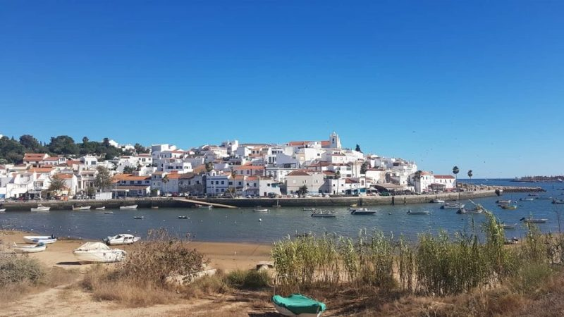 Musiker nutzen Sonne als Inspirationsquelle für Sommerhits über Portugal
