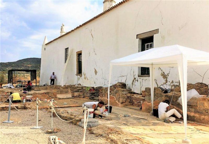 Algarve News über Restaurierung von Mosaiken an Ruine von Milreu