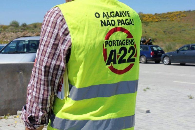 Algarve News über Proteste in Gelben Westen gegen Autobahn-Maut auf der A22