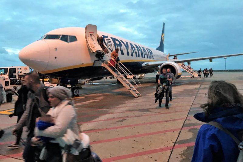 Algarve News über weniger Faro-Flüge bei Ryanair wegen Hahn-Kürzungen