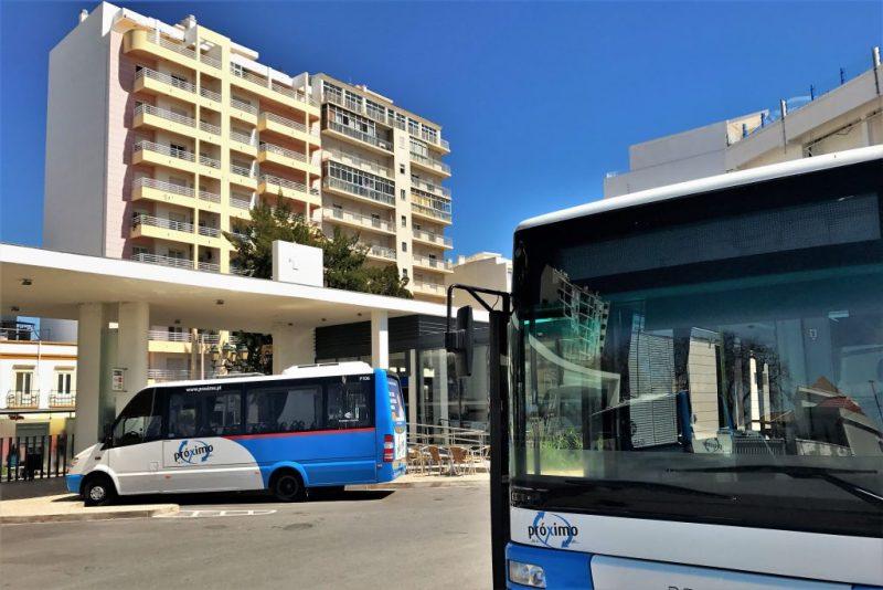 Algarve News zu Preishalbierung für Bus- und Bahntickets