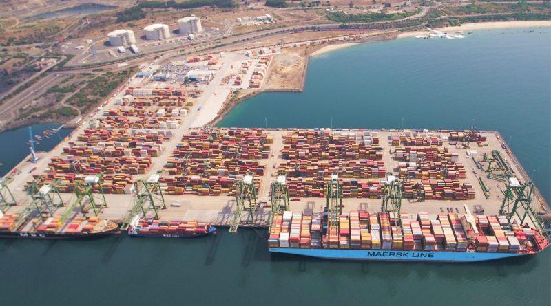 Sines an der Alentejo-Küste in Portugals wichtigster Container-Hafen