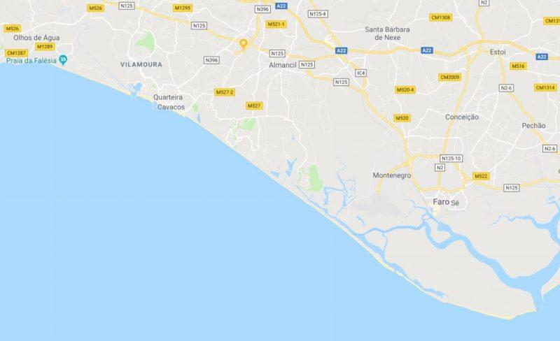 Mikroalgen sorgen für Badeverbote an Algarve-Stränden zwischen Albufeira und Faro