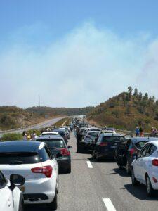Algarve News zu Staus auf A 2 wegen Waldbrands im Kreis Silves