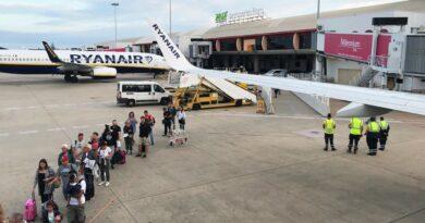 Airport-Werbung der Algarve für die Wanderdestination Marseille in der Kritik