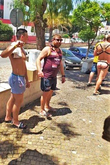 Briten verärgern Passanten auf der Partymeile in der Algarve-Touristenhochburg Albufeira