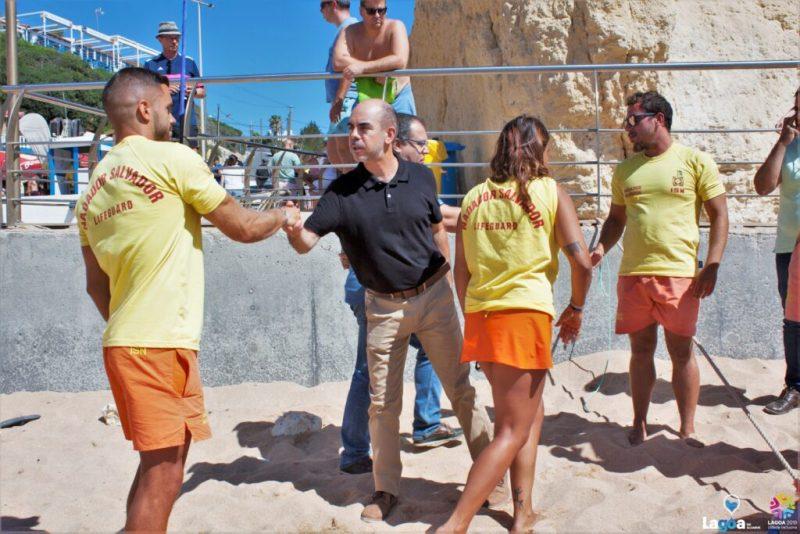 Algarve News über Rettungsaktion für 13 Unfallopfer bei Bootstour in Benagil