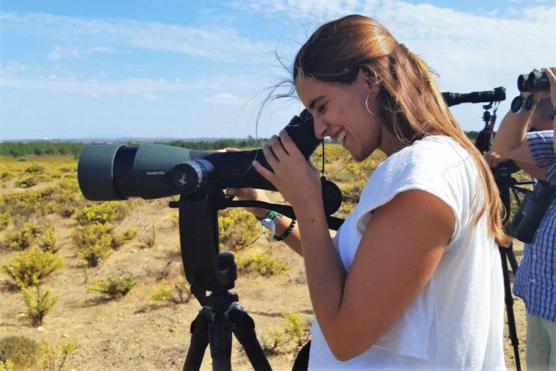 Naturtouristen wie Vogelbeobachter zieht es im Oktober zu den Zugvögeln an die Algarve