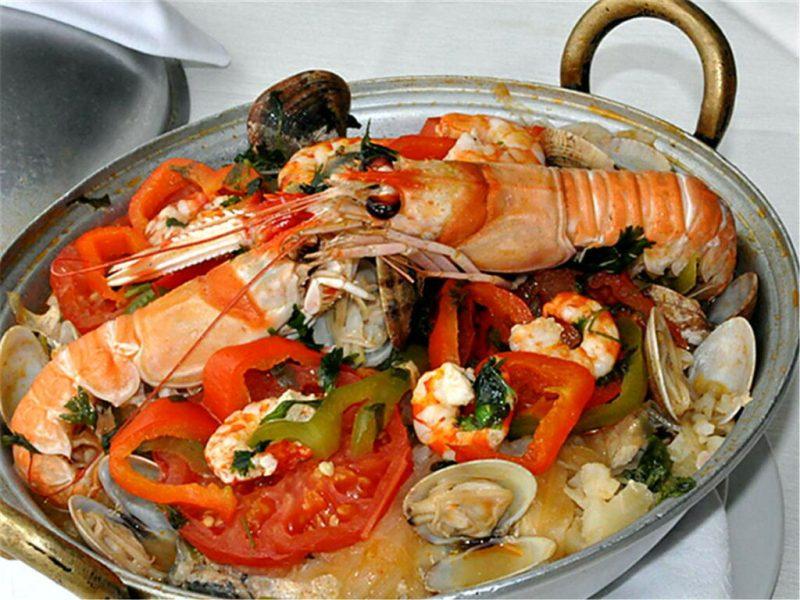 Cataplana mit Mariscos der Algarve