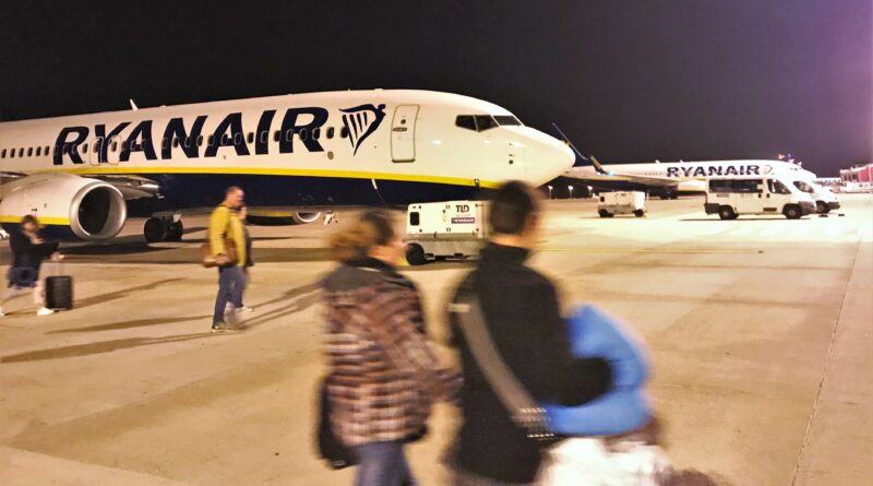 Faro-Basis von Ryanair könnte mit zwei Flugzeugen erhalten bleiben