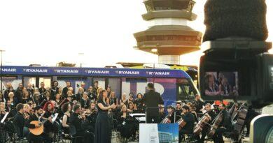 Welttourismustag an der Algarve mit Konzert auf dem Flughafen Faro begangen