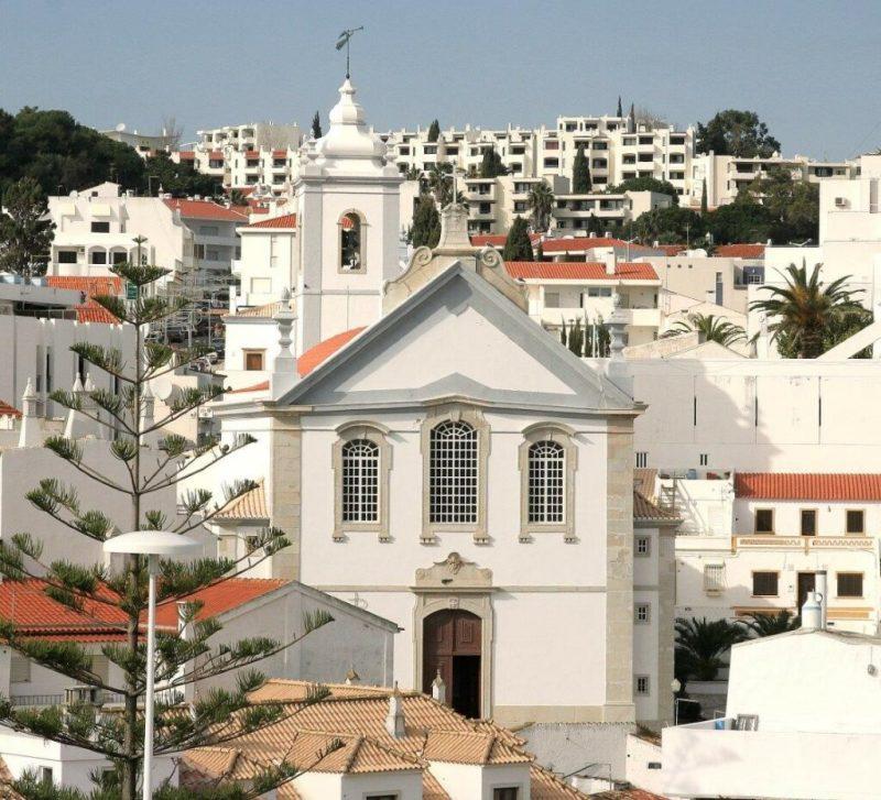 Algarve News zu wirtschaftlicher Dynamik in Touristenhochburg Albufeira