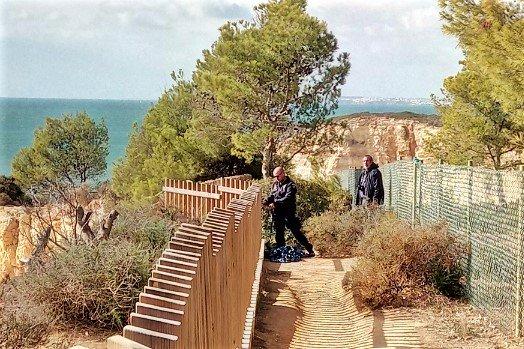 Algarve News zu Felsabbruch bei Carvoeiro