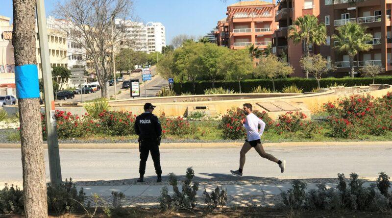 Covid-19-Notstand wird an der Algarve von der Polizei stark kontrolliert
